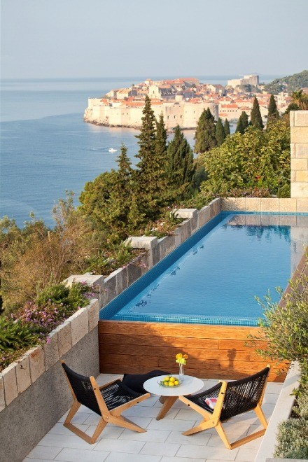 Modern, luxury villa with swimming pool near the center of the city of Dubrovnik