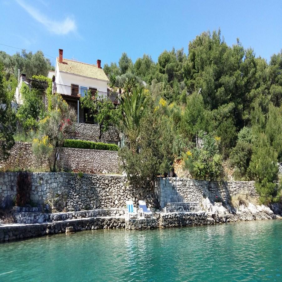 Charming villa with nice seaview Bobovisca