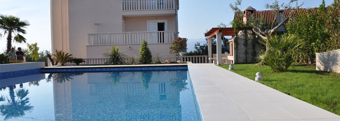 Villa with apartments on the island of Brac