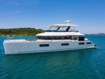 Mega Yachts Lagoon 630 Motor yacht