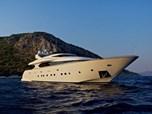 Mega Yachts Maiora 33